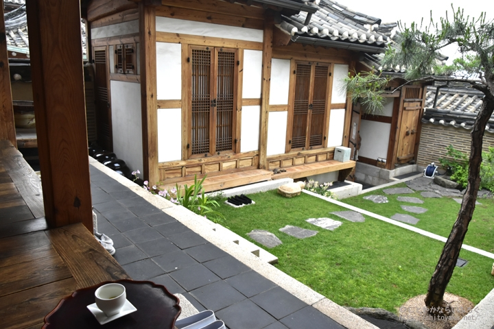 ソウル・北村にある「尋心軒」で伝統家屋の見学とお茶をいただいた
