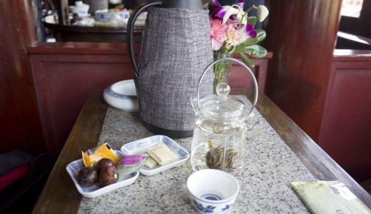 池の中に建つ伝統的茶館「湖心亭茶楼」で味わう中国茶@豫園 #上海旅行