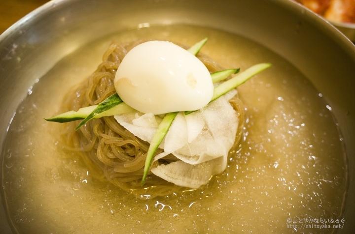飲み過ぎ・食べ過ぎの翌朝にうれしい、明洞で食べる「ユッサム冷麺」【ひとりソウル旅】