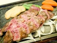 佐賀空港のレストラン「カンフォーラ」で食べる佐賀牛ステーキがなかなかどうして